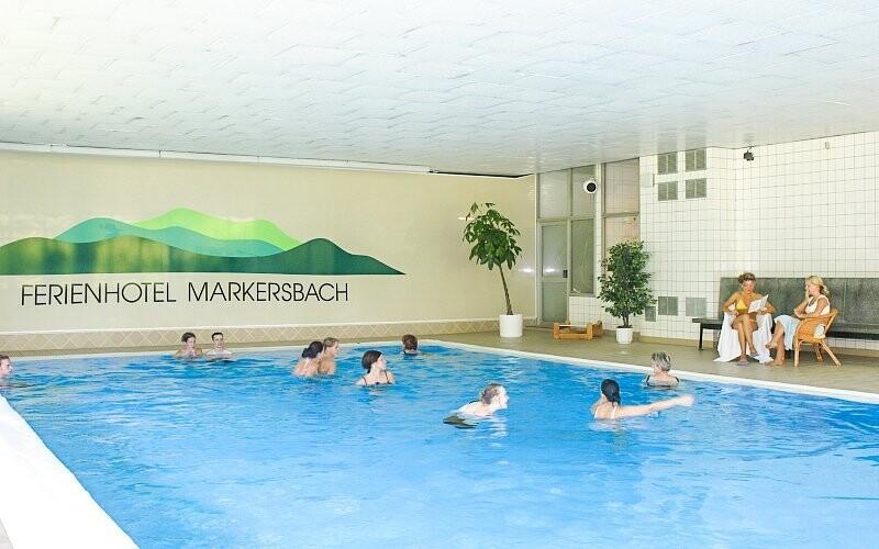 Užite si neobmedzený relax v hotelovom bazéne