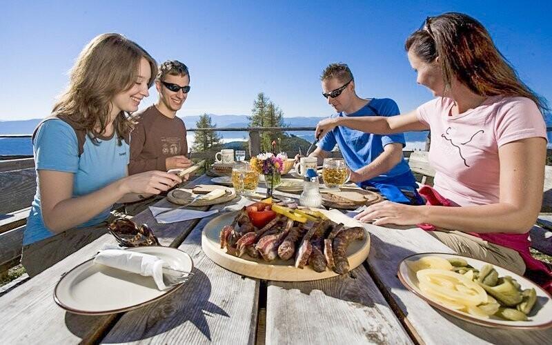 Užijte si skvělé prostředí Alp i rakouskou kuchyni
