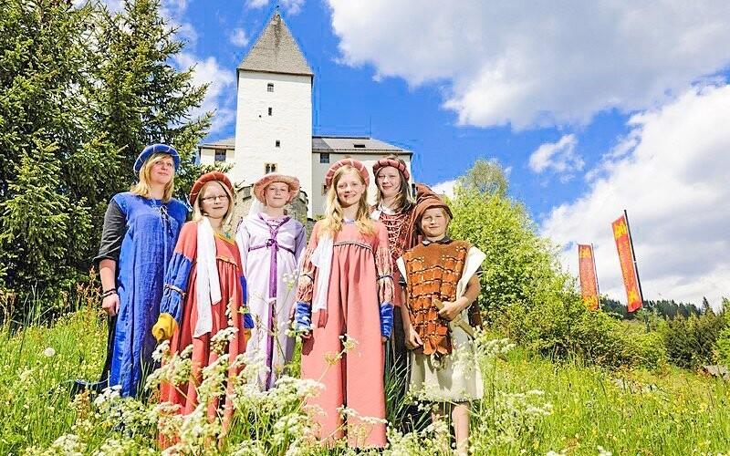 Jeďte se podívat na zámek Mauterndorf