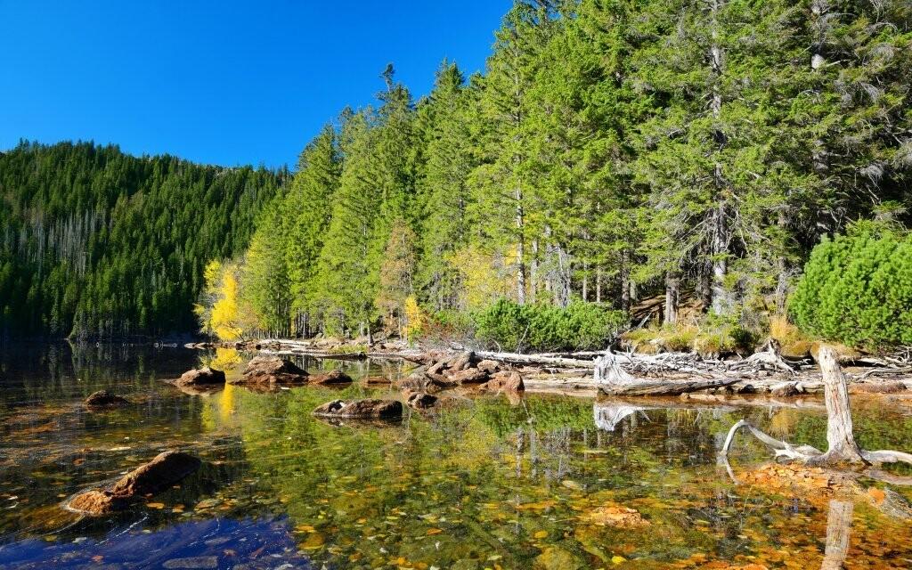 Navštivte třeba Černé a Čertovo jezero