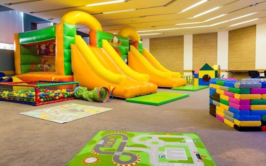 Dětské hřiště skýtá rozmanité možnosti