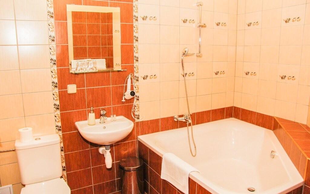 Čeká vás samostatná koupelna