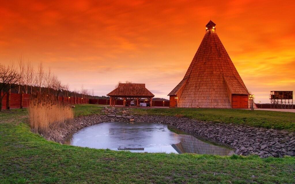 Moderní Vigvam resort je obklopen přírodou