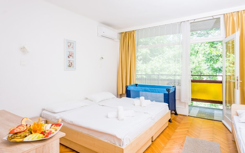 Pokoje jsou vybaveny klimatizací