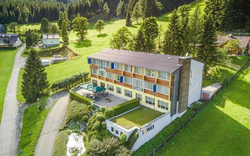 Hotel Sonnhof Hohentauern leží v 1300 m n. m.