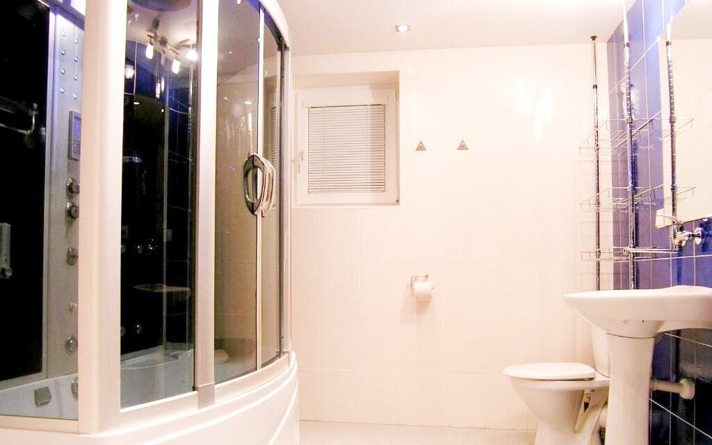 V apartmánu Elegance vás čeká i hydromasážní box