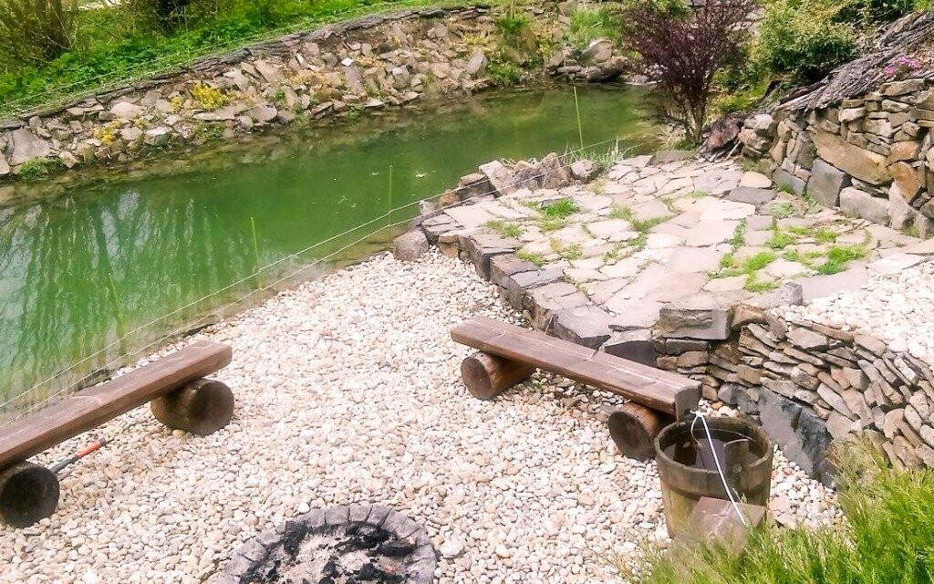 K Vile Anna patří také rybník