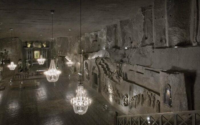 Blízko Krakova stojí za pozornost solný důl Wieliczka