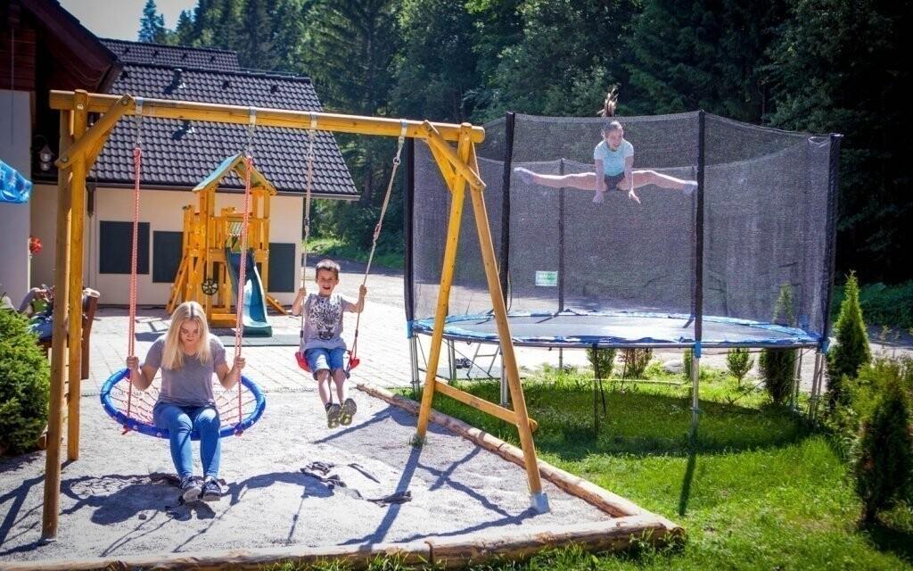 Děti se na dovolené nudit nebudou