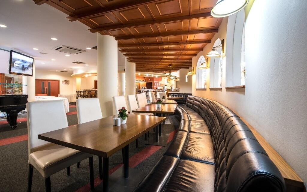 V elegatní hotelové restauraci si vychutnáte polopenzi