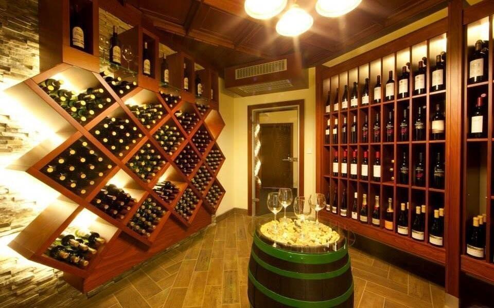 Dopřejte si jedno ze spousty skvělých vín