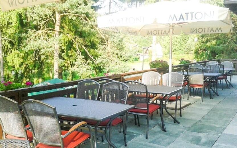 Na terase můžete odpočívat během dne