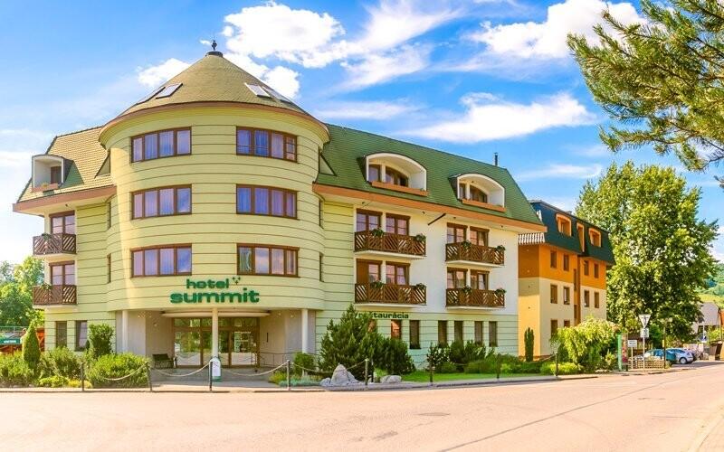Hotel Summit *** leží v perfektní lokalitě