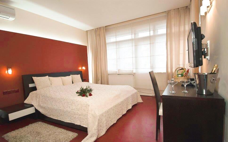 Ubytujete se v klimatizovaných dvoulůžkových pokojích