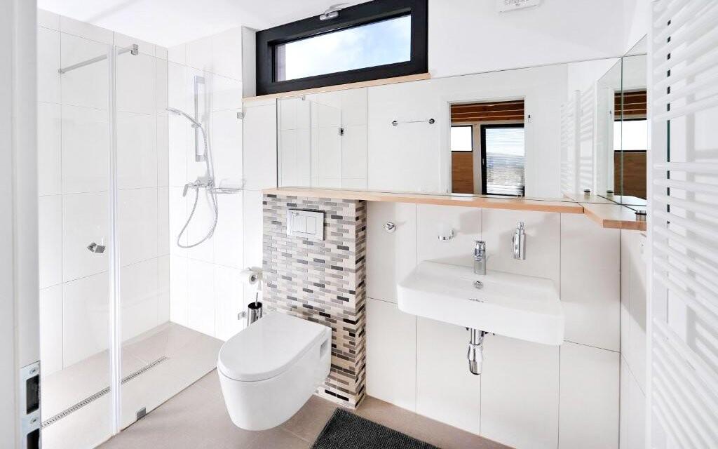 K pokojům patří i samostatná koupelna