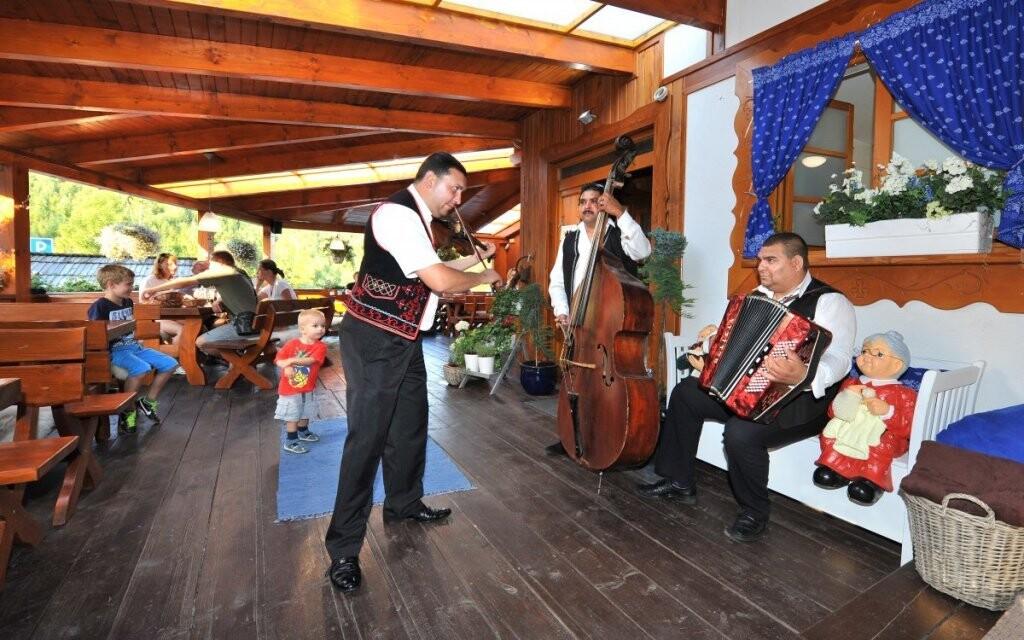 Ke slovenským Tatrám patří také slovenský folklór