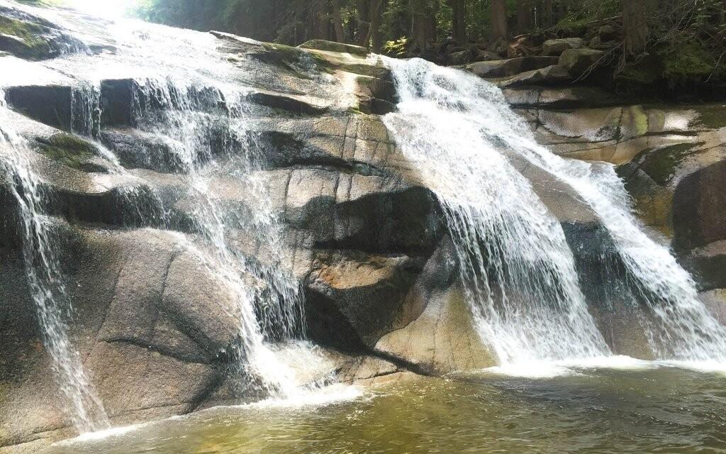 Zajděte třeba k Mumlavským vodopádům