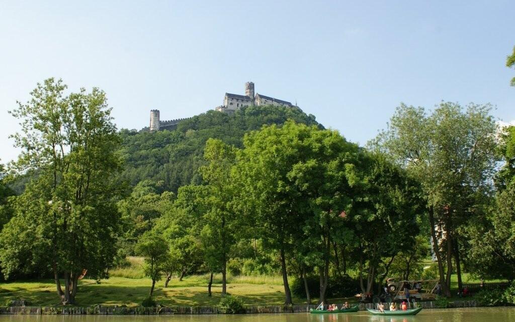 Navštivte třeba hrad Bezděz