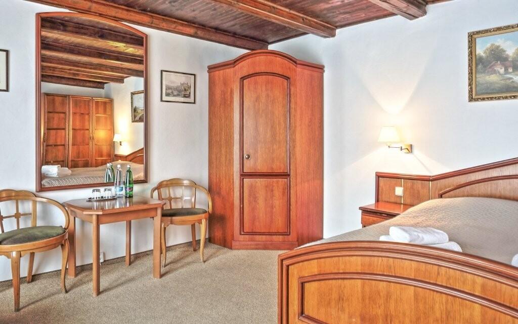 Ubytujete sa v pohodlných dvojlôžkových izbách