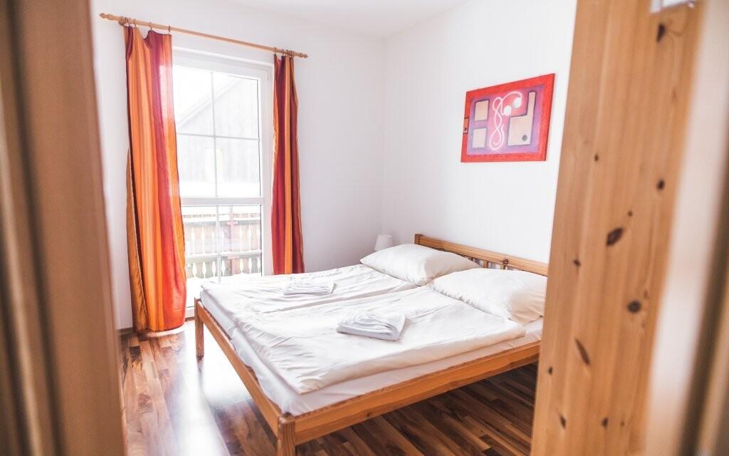 Pohodlná ložnice láká k odpočinku