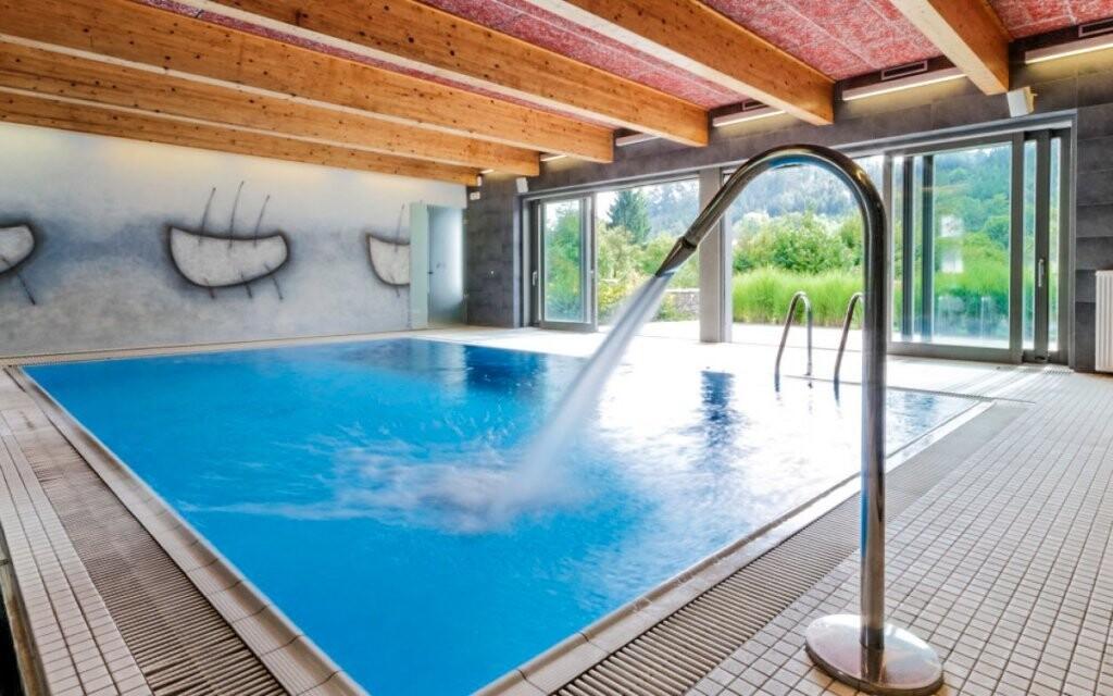 V bazénu vás čekají masážní trysky