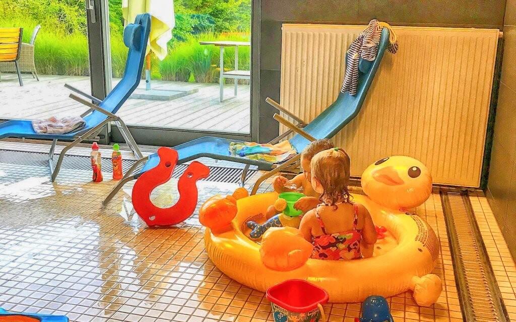 Pro děti je tu nafukovací bazének