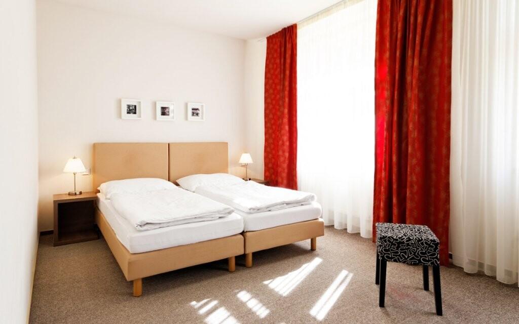 Ubytováni budete v elegantních hotelových pokojích