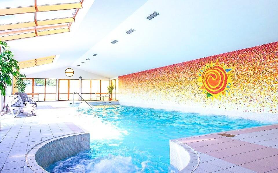 Vstup do bazénu s vířivkami máte neomezený