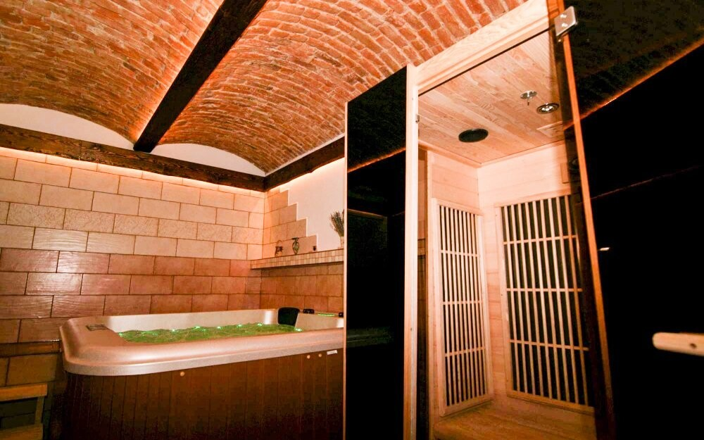 Čeká vás vířivka a infra sauna