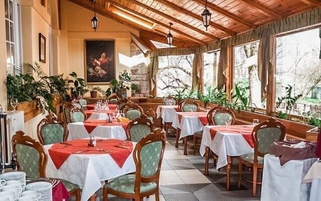 Restaurace Polopenze Leto Madarsko
