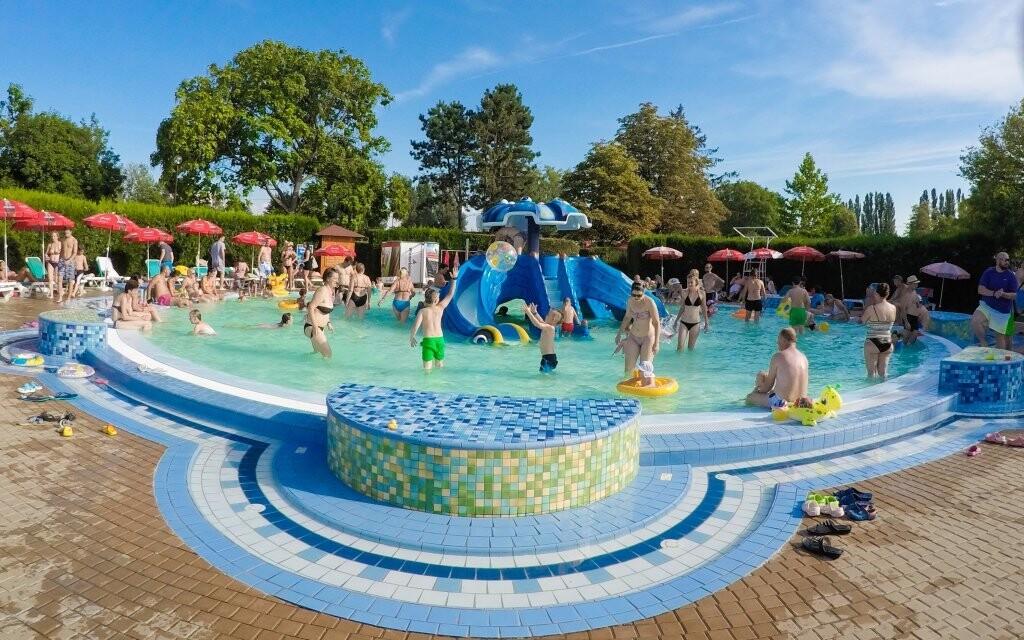 V termálním aquaparku si užijí děti i dospělí