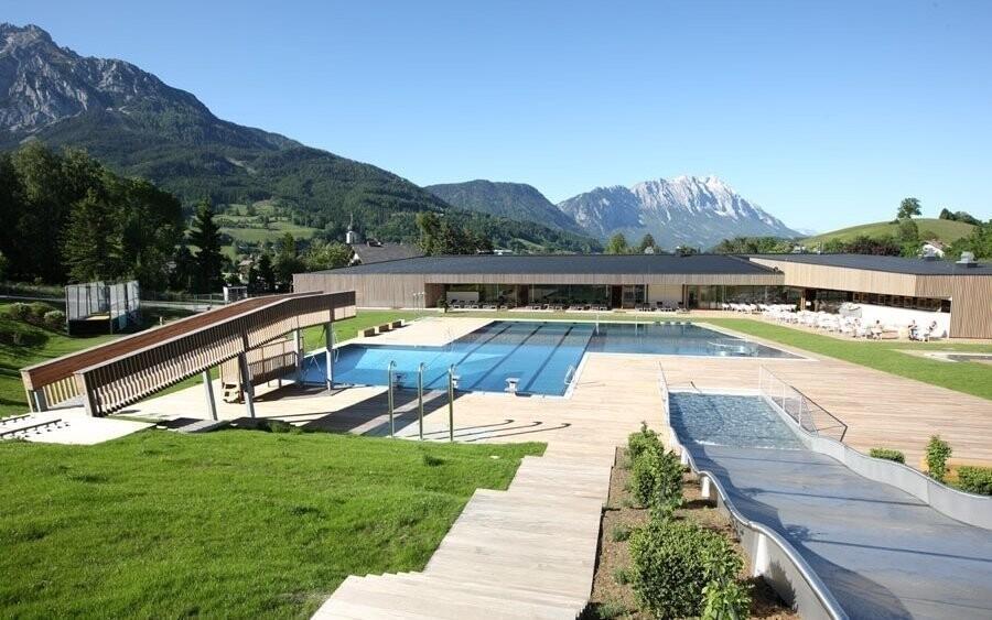 Vykoupat se můžete v okolních aquaparcích a bazénech