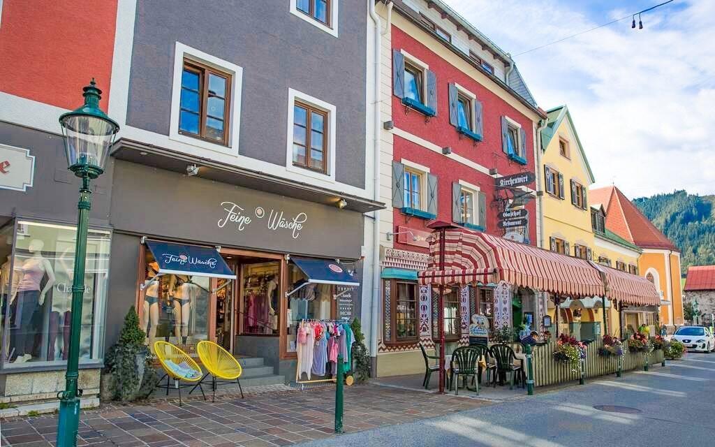 Malebné městečko Gröbming máte jen 15 minut pěšky