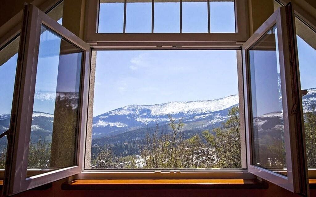 Užite si výhľad na hrebene Krkonôš