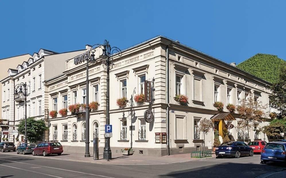Hotel leží přímo v srdci města