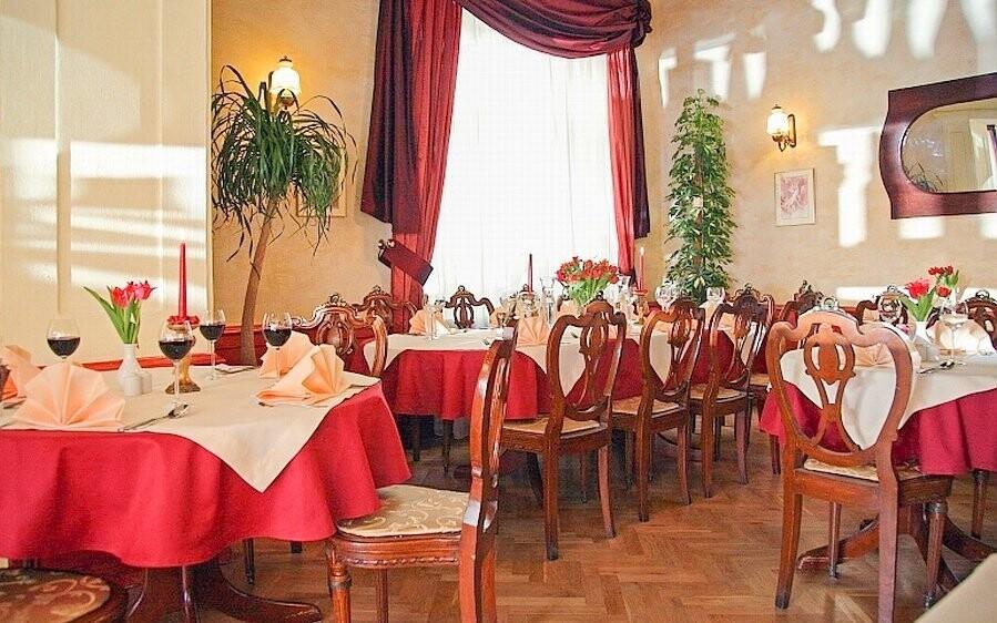 Stylová hotelová restaurace