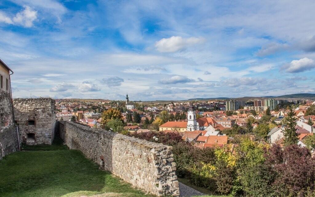 Historický Eger si můžete prohlédnout z místního hradu