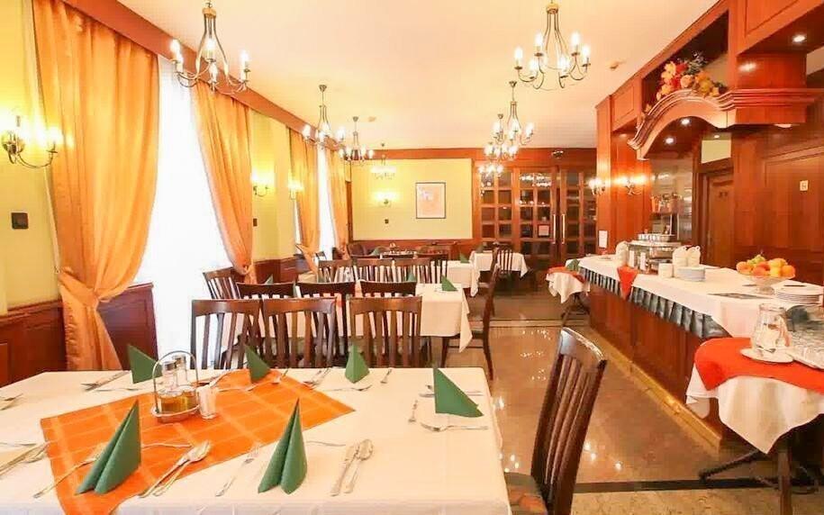 V restauraci ochutnáte maďarská jídla i mezinárodní kuchyni
