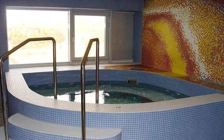 Termální lázně Hajdúszoboszló jsou 5 minut od hotelu