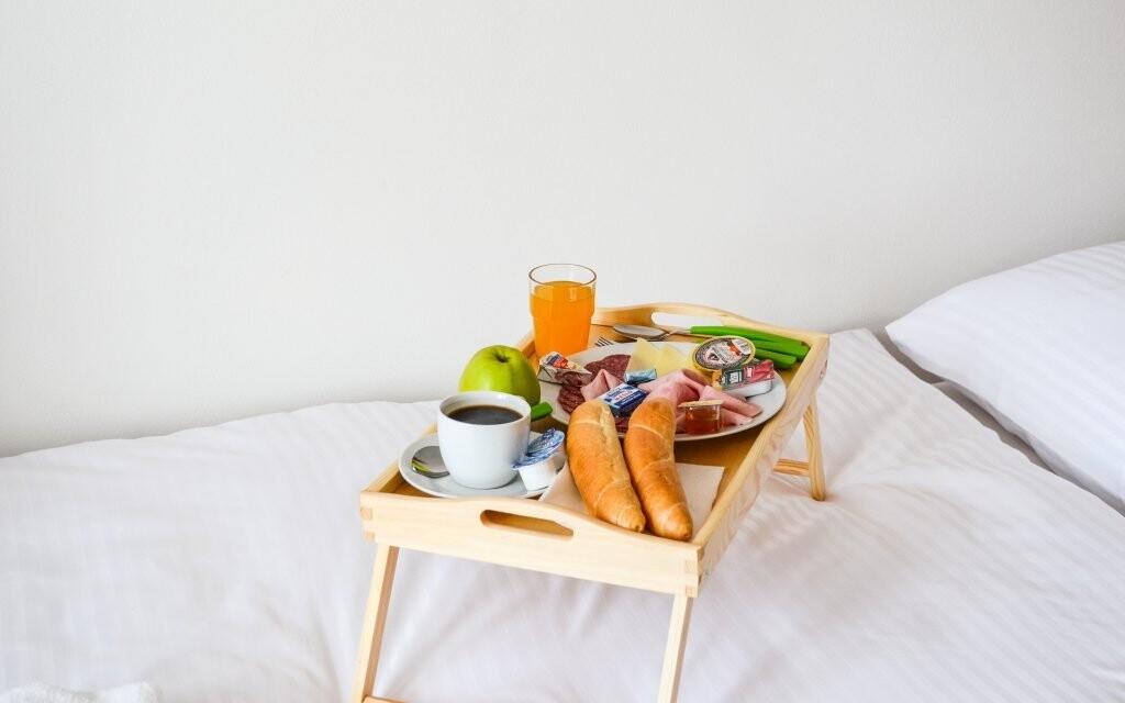 Snídani si můžete odnést do postele