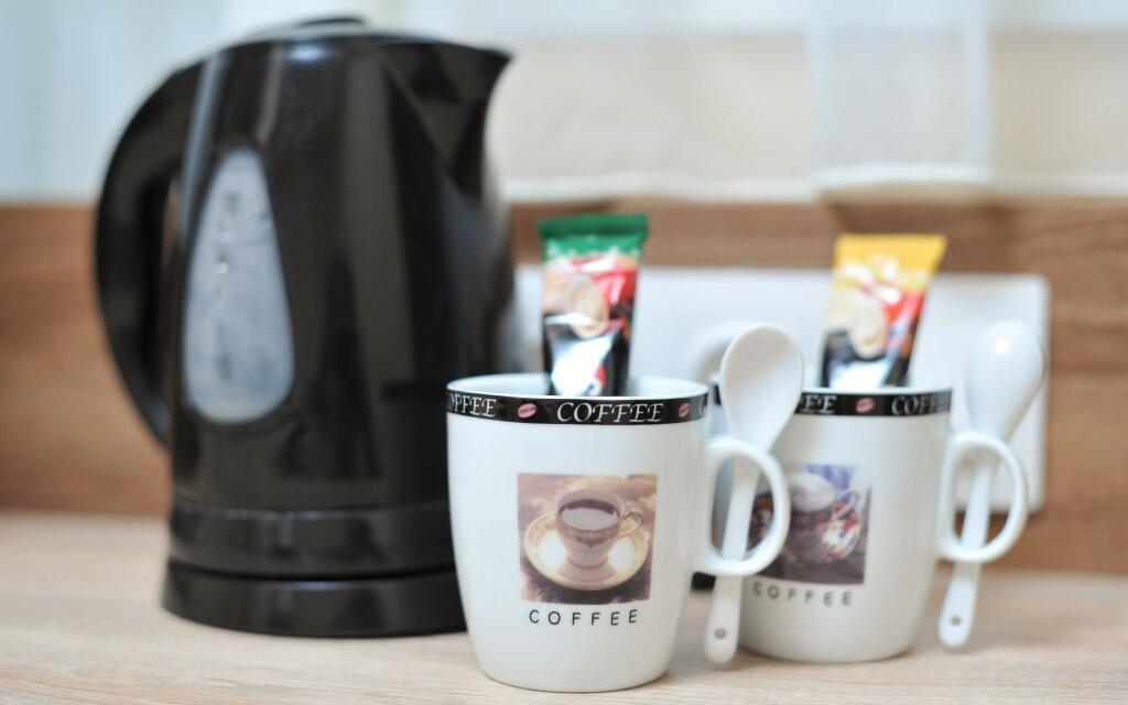 Na pokoji vás čeká sada na přípravu kávy