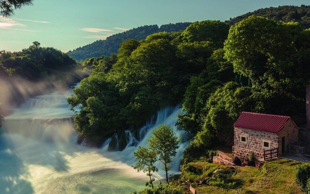 Udělejte si výlet ke slavným vodopádům na řece Krka