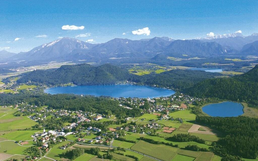 Prostředí korutanských jezer vás nadchne