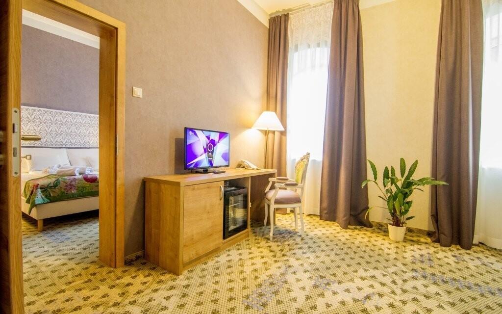 Pokoje jsou zařízené podle vysokého standardu