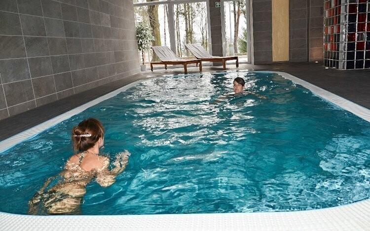 Můžete si zaplavat ve vyhřívaném bazénu
