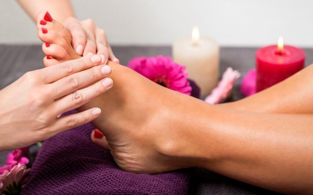 Reflexivní masáž plosek vás uvolní