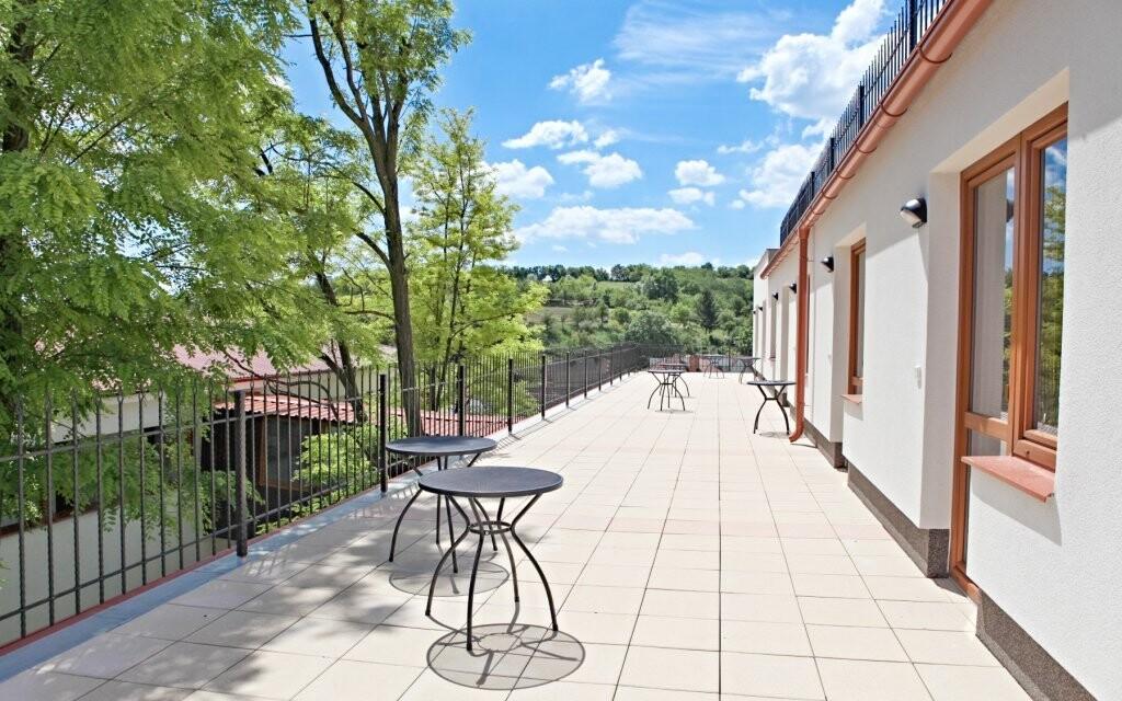 Můžete tu odpočívat na terase