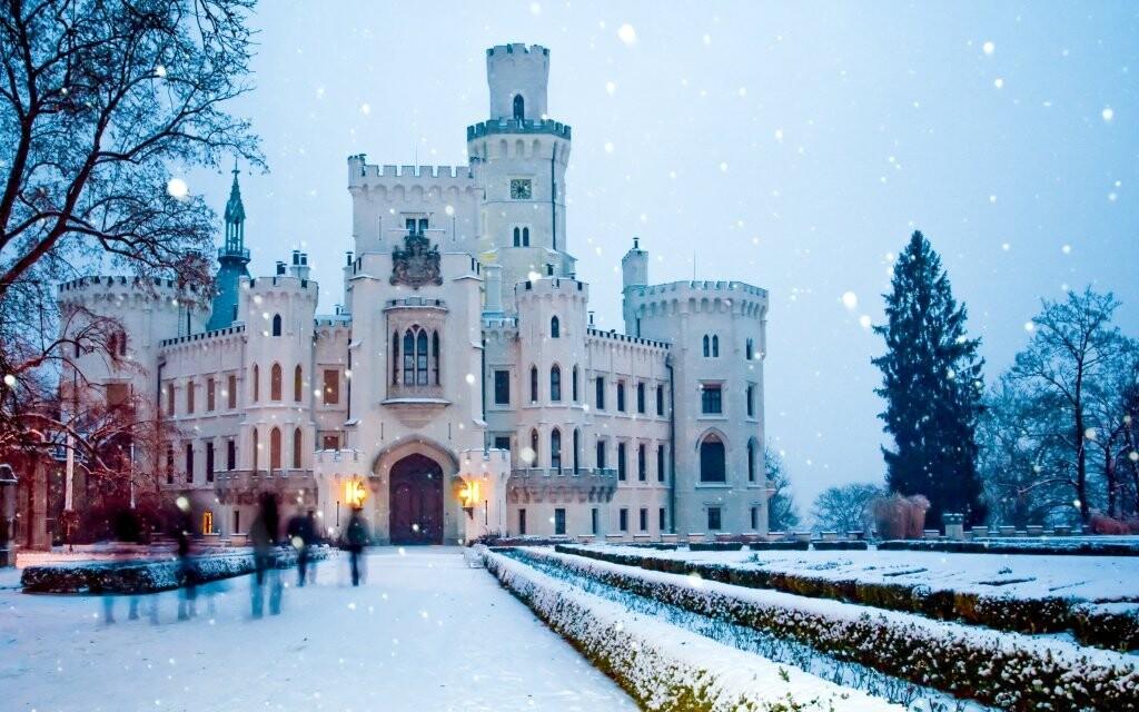 Zajeďte si také do Hluboké nad Vltavou