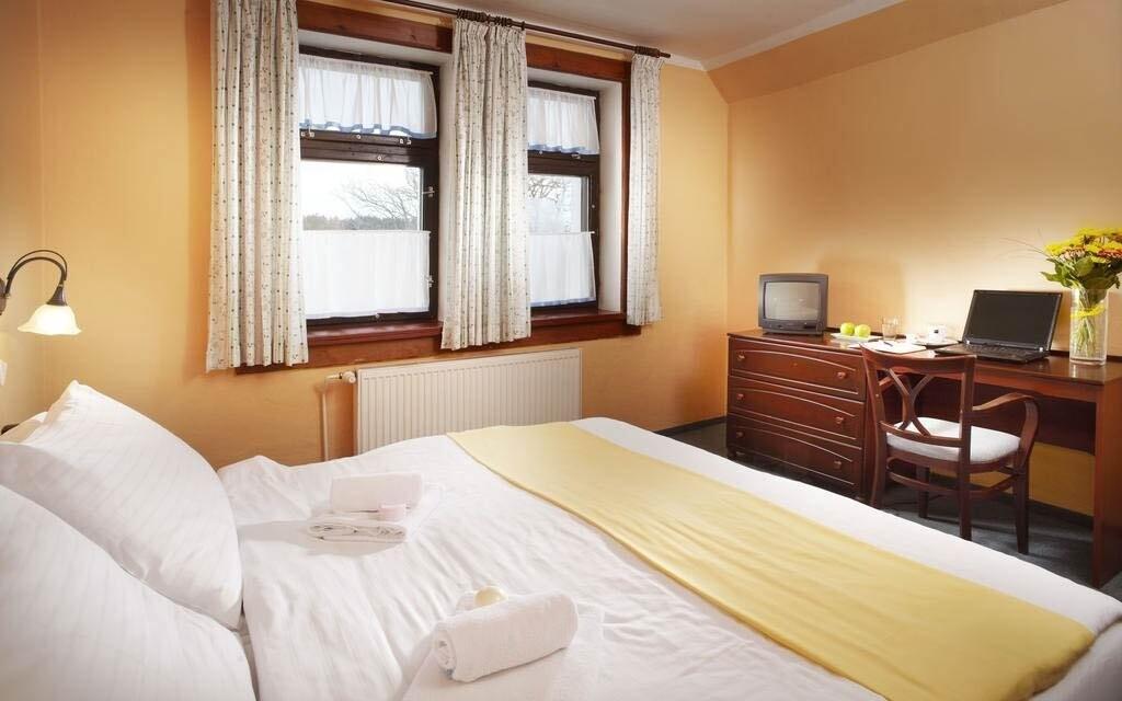Pokoje jsou čisté a prosvětlené