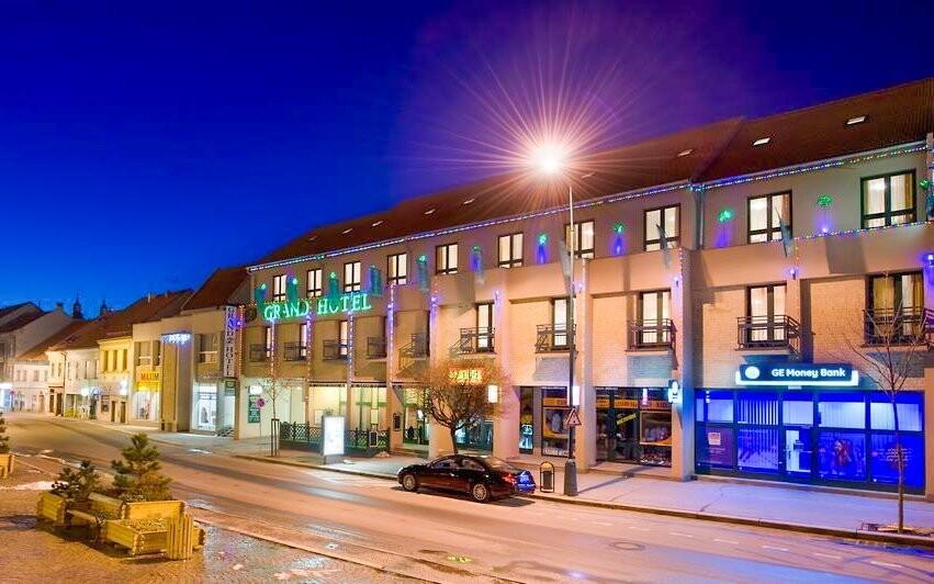 Hotel Grand **** Třebíč stojí v centre na námestí